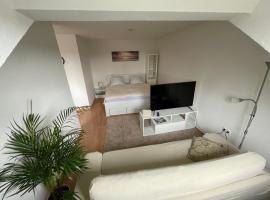 1,5 Zimmer Apartment, 38,5 qm, frisch möbliert, self catering accommodation in Duisburg