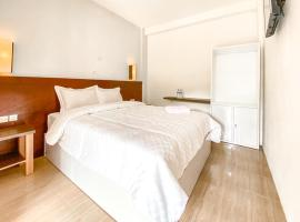 Omahku Guest House, hotel in Malang