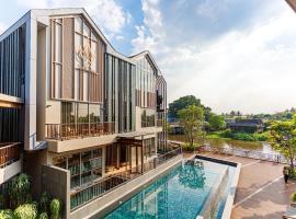 W1 Bangkoknoi, hotel in Nonthaburi