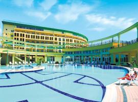 Health Resort Akvamarin, hotel with pools in Vityazevo