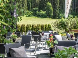 Hotel Taxacher, hotel near Hahnenkammbahn, Kirchberg in Tirol