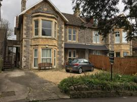 Pierview Place, apartment in Weston-super-Mare