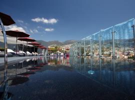 The Vine Hotel, hotel cerca de Gomes' Pools, Funchal
