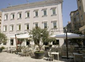 Design Guest House Goli & Bosi, B&B in Split