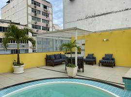 Spacious Duplex Penthouse Arpoador, hotel with jacuzzis in Rio de Janeiro