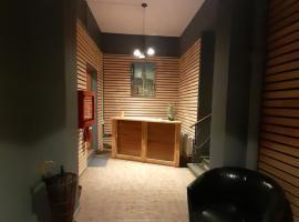 Agustina Hostal & Café, hotel en Valdivia