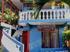 CASA FORBES, hotel in Tortuguero