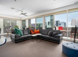 Harbourside Penthouse by Terminus, apartment in Newcastle