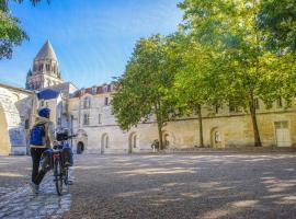 Les Chambres de l'Abbaye, hotel in Saintes