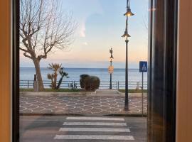 Una Finestra sul Mare, self catering accommodation in Maiori