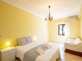 43 Saradel Old Town Center Beach, apartment in Albufeira