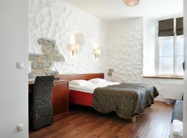 Gotthard Residents, hotelli Tallinnassa lähellä maamerkkiä Tallinnan kaupunginmuurit
