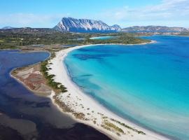 Baglioni Resort Sardinia - The Leading Hotels of the World, hotel a San Teodoro
