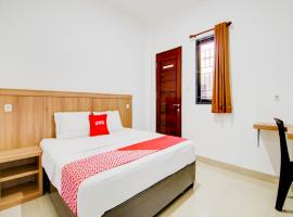 OYO 90233 The Shine Residence, hotel in Pekanbaru