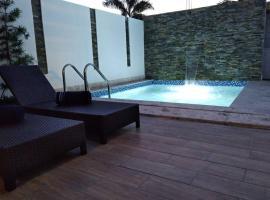 Villa in Punta Cana for 6 people with private pool, hotel cerca de Aeropuerto internacional de Punta Cana - PUJ,