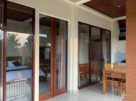 Penthouse Ibu, amazing sunset view and pool access, apartment in Ubud