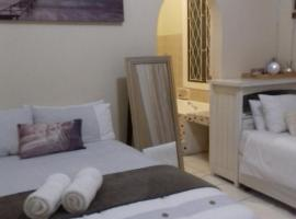 Fj's place, self catering accommodation in Durban