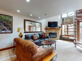 Lion Square Lodge North 382, hotel in Vail