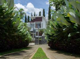 Rockwood Resort & Villa's, family hotel in Batu
