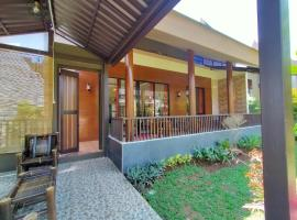 Vimala Hill villa and resort - 3 bedrooms, pet-friendly hotel in Bogor