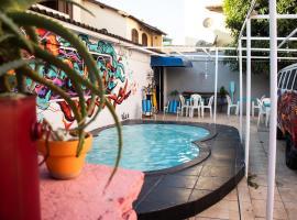 HABITAT -quase um- HOSTEL, budget hotel in Arraial do Cabo
