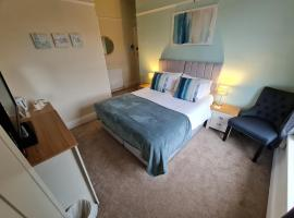 The Sea Croft Bed Breakfast & Bar, guest house in Lytham St Annes