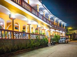 Hotel San Miguel, hotel in Flores