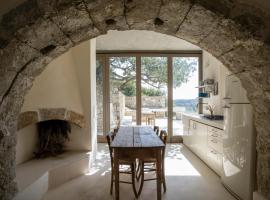 Palaiopoli cave house, pet-friendly hotel in Kýthira