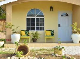 Tropical Mountain View, villa in Montego Bay