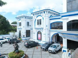 RedDoorz Plus @ Castle Chateau Iloilo, hotel in Iloilo City