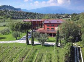 Borgo Romantico Relais, hotell i Cavaion Veronese