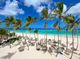 OCEAN FRONT Villa 10 Guests WIFI BBQ BAVARO, room in Punta Cana