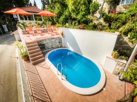 Guest House Villa Nina, luxury hotel in Mlini