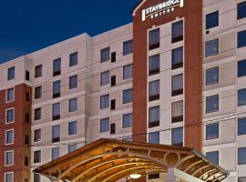Staybridge Suites Indianapolis Downtown-Convention Center, an IHG Hotel, hotel in Indianapolis