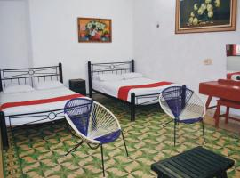 Hotel Margarita, hotel near Merida Bus Station, Mérida