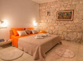 Split Inn Apartments, hotel near Kastelet Beach, Split
