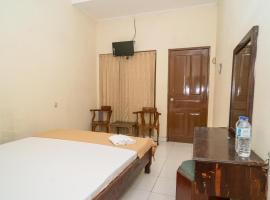 Koolkost Syariah near UNSIKA University (Minimum Stay 6 Nights), hotel in Karawang