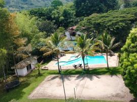 Eco Hotel Hacienda El Diamante, hotel in Buga