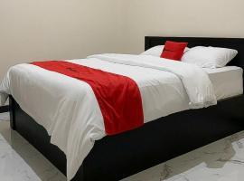 RedDoorz Syariah near Kawasan Simpang Lima Pati, hotel in Pati