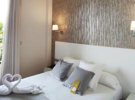 Hotel Peregrina, hotel cerca de Playa de Silgar, Adina