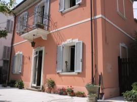 Villa Al Mare, Marina Centro area of Rimini, holiday home in Rimini