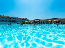 Long Beach Village Bungalow spiaggia privata, apartment in Lido Adriano