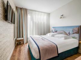 Best Western Plus Hôtel Littéraire Jules Verne - ex Karitza, boutique hotel in Biarritz