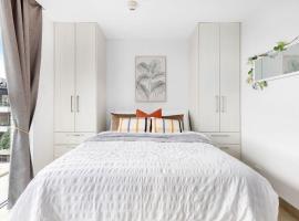 A Cozy & Modern Beach Studio, 5min walk to Bondi Beach, íbúð í Sydney