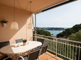 Apartamento familiar con vistas al mar en S'Agaro, apartment in Sant Feliu de Guíxols