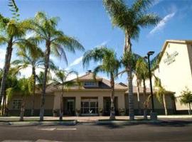 Homewood Suites Bakersfield, hotel v destinaci Bakersfield