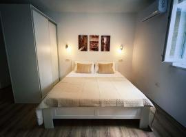 Luce, apartman u Budvi