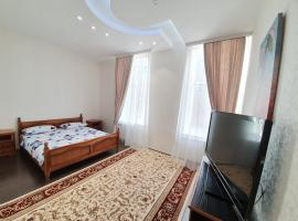 Stefan cel Mare-Bodoni Street Apartments 2-rooms central in the heart of Chisinau, hotel in Chişinău