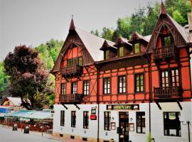 Hotel U Lípy – hotel w pobliżu miejsca Góry Połabskie w mieście Hřensko