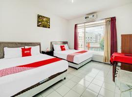OYO 90077 Live Homestay, hotel in Batu
